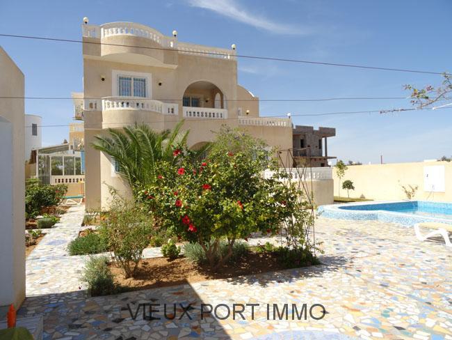 Location maison zarzis avec piscine avie home for Achat maison zarzis